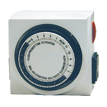 GLO-24 Hour Dual Mechanical Plug-In Timer by Hagen